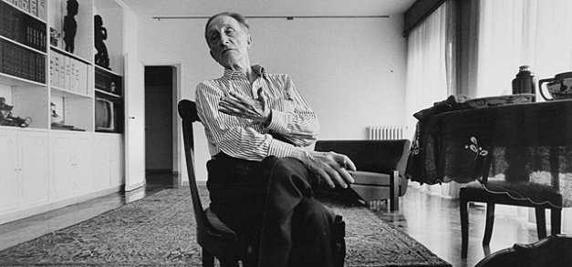 Marcel Duchamp retrato por Ugo Mulas en Nueva York en 1967
